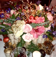 Make a Christmas table centre with Mulled wine and Mince pies